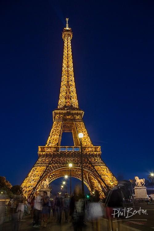 Crowded Eiffel